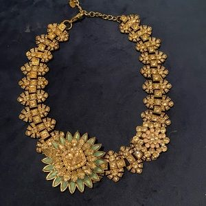 Jewelry - Chunky rhinestone statement necklace